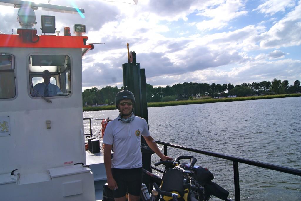 Traversée d'un canal aux Pays-Bas