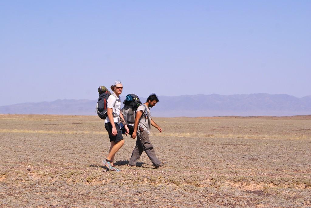 Marche dans le désert autour du Canyon