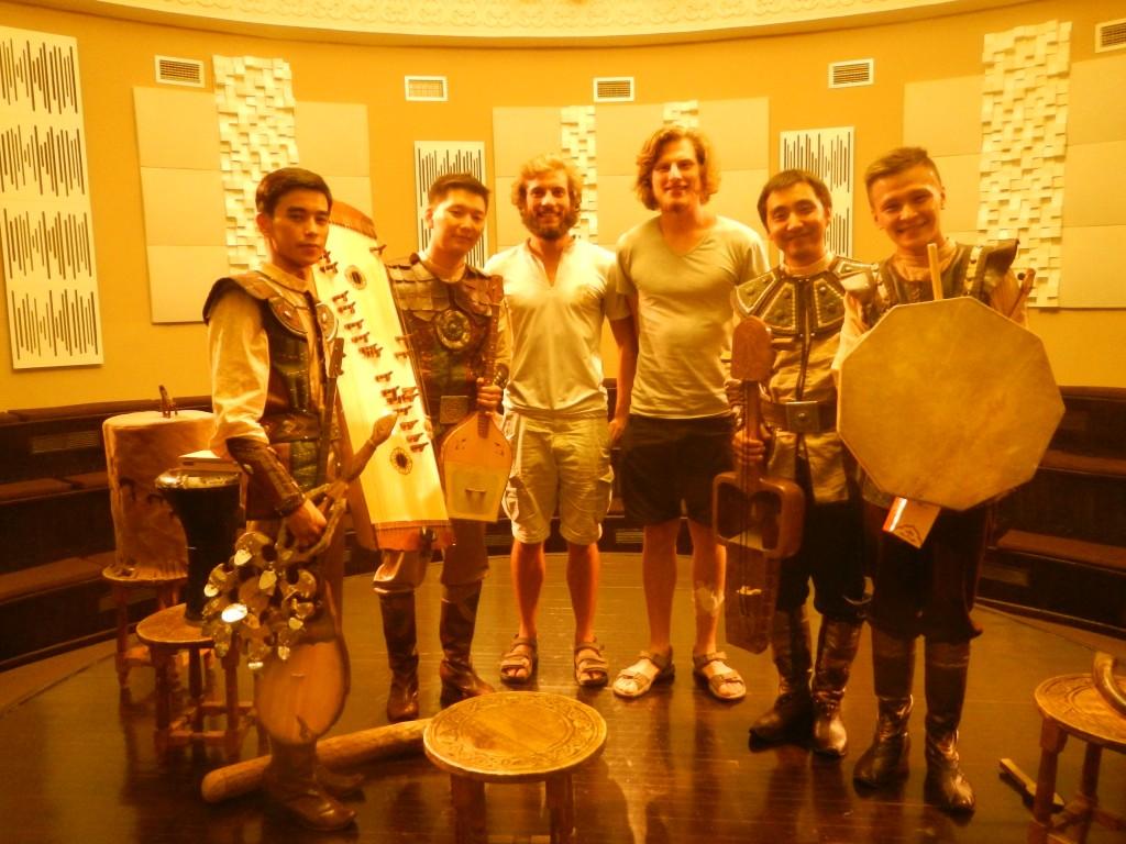 Superbe groupe folklorique Kazakh
