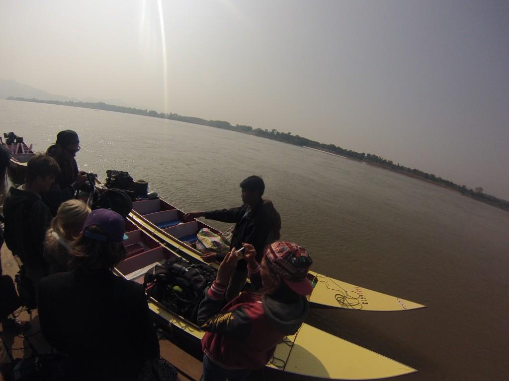 Speed Boat au départ de Houay Say