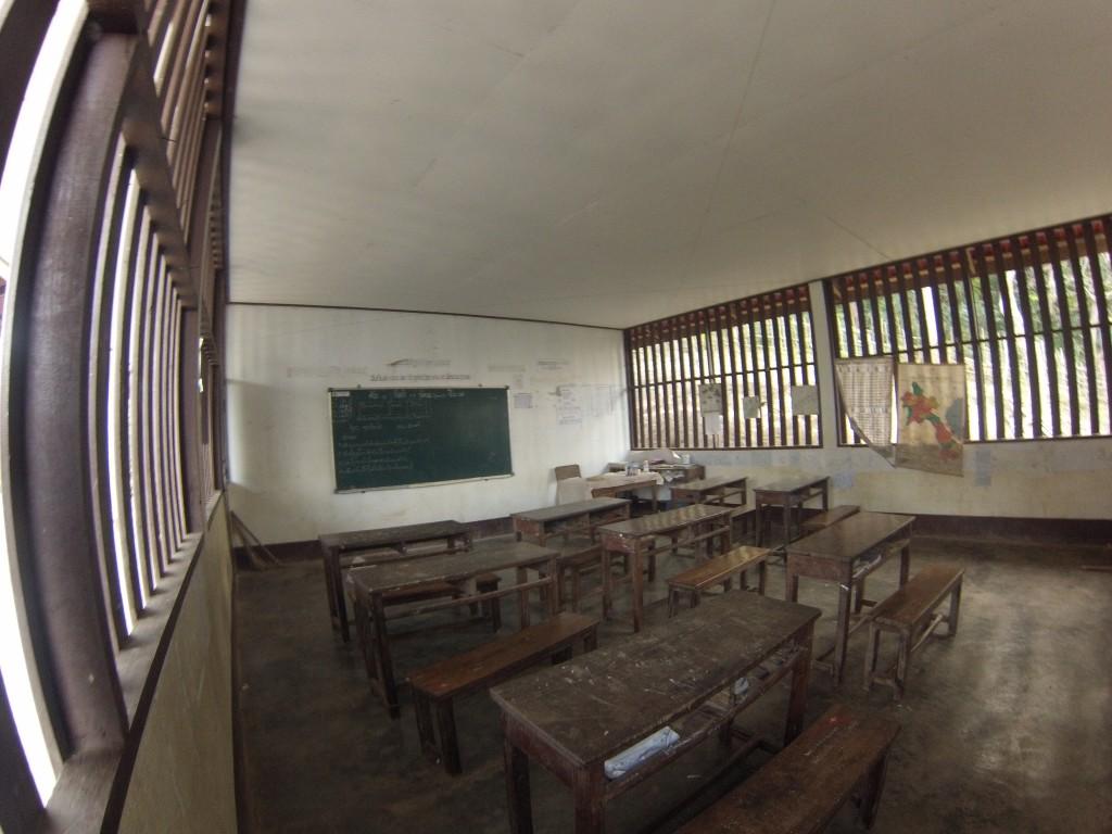 Classe du village de Houay Hia