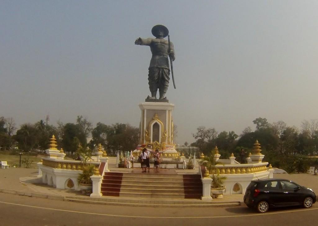 Statue d'Anouvong, dernier roi de Vieng Chang (Vientiane) entre 1805 et 1828