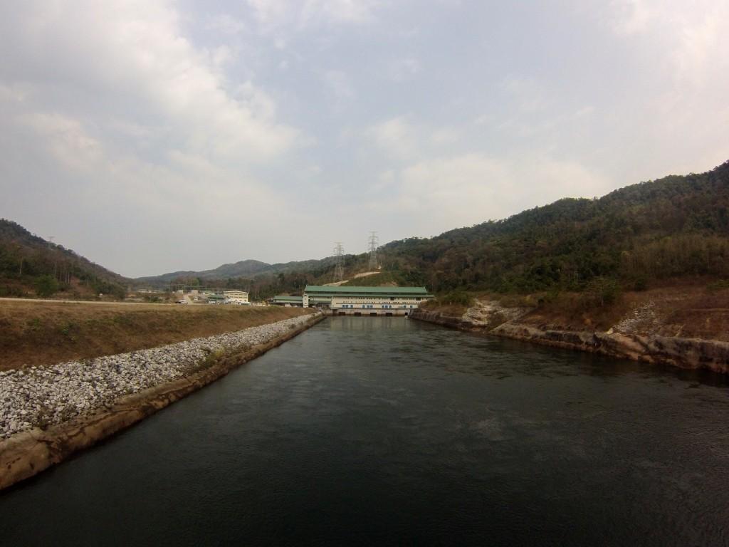 Nam Theun 2, barrage hydro-électrique