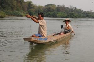 Couple de pêcheur sur le Mékong