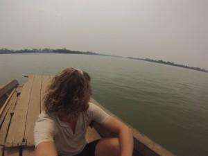 Traversé en bateau du Mékong pour rejoindre l'île de Don Khong